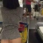 La foto viral de una mujer que compra desnuda en un Ikea de China
