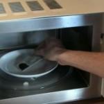 Muchos alemanes meten su DNI en el microondas. ¿Sabes por qué?