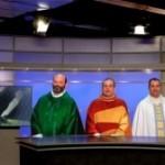 Tres curas comentan el fútbol en una cadena  de televisión de Portugal