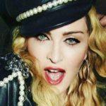 Madonna, con una copa de más en una exposición de fotos en Londres