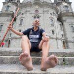 Un alemán camina descalzo más de 2.000 kilómetros para romper un récord mundial