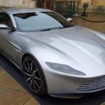 Diez famosos a los que los españoles les comprarían el coche