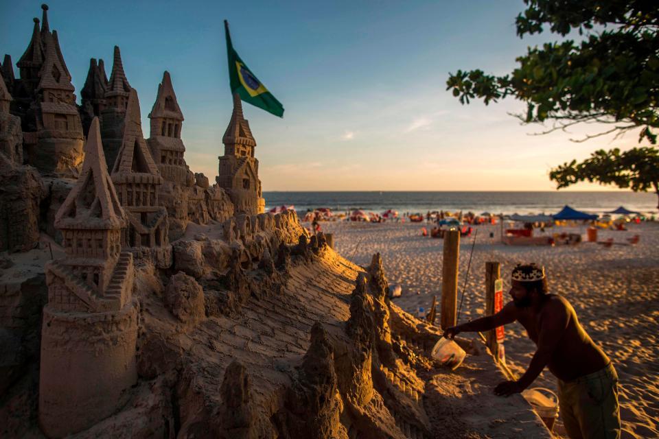 Puesta de sol en la playa de Brasil