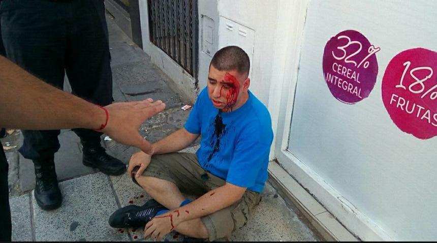 el argentino acosador tras recibir una paliza