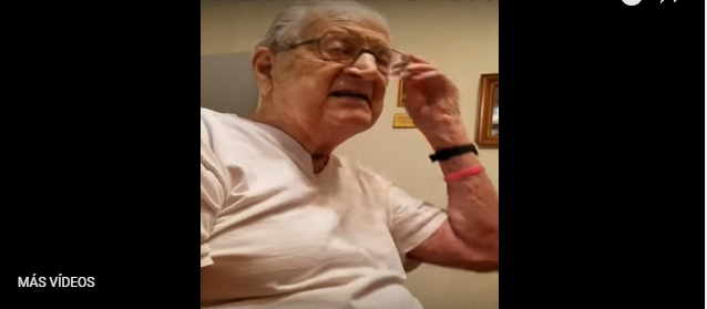 Adorable señor descubre su edad - YouTube
