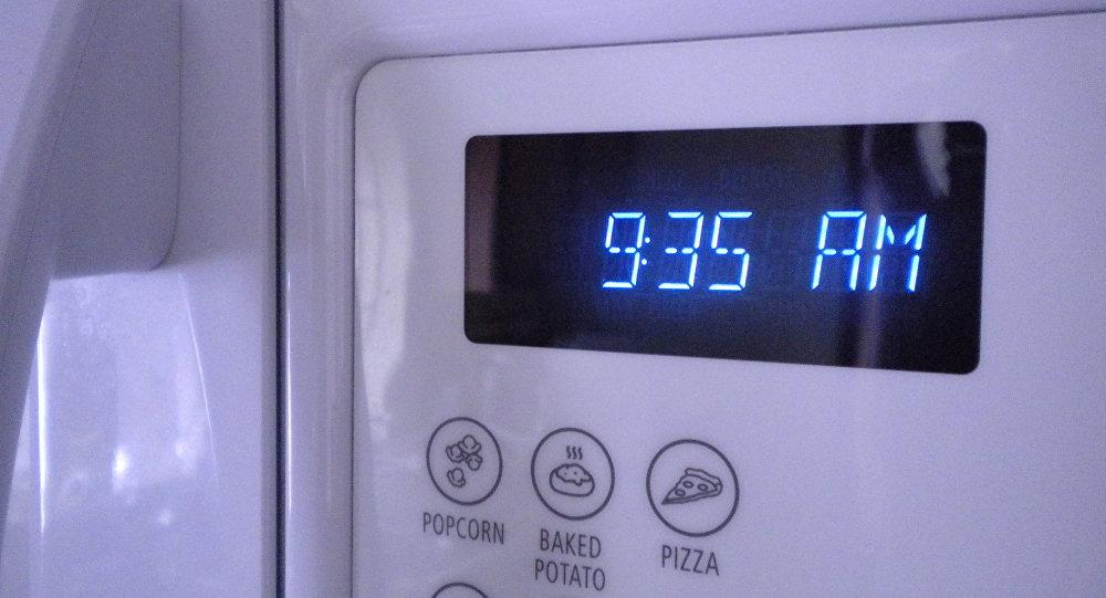 Relojes eléctricos como éste (de un microondas) se han retrasado automáticamente